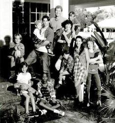 Second Noah - Main title - Aventuriers du paradis (les) / La famille du bonheur - Générique