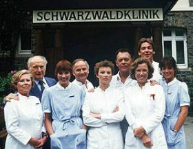 Schwarzwaldklinik (die) - Main title - Clinique de la Forêt Noire (la) - Générique