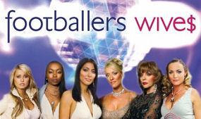 Footballers' Wive$ - Main title - Femme$ de footballeurs - Générique