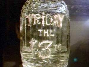 Friday the 13th : The Series - Main title - Vendredi 13 - Générique
