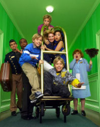 Suite Life of Zack and Cody (the) - Main title - Vie de palace de Zack et Cody (la) - Générique