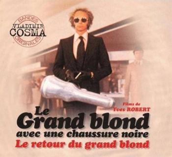 - Le grand blond avec une chaussure noire